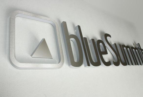 B3D-Studio, 3D Buchstaben, 3D Logo, Plexiglasbuchstaben mit Edelstahl, Acrylglasbuchstaben, Plexiglas Buchstaben, Plastikbuchstaben, Buchstaben aus Kunststoff