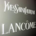 Logo / Text aus Plexiglas, Acrylglas